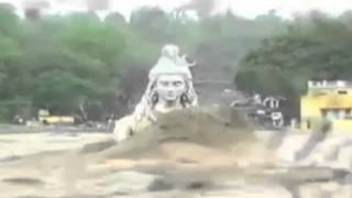 getlinkyoutube.com-Last Moments of the Shiva Statue in Rishikesh