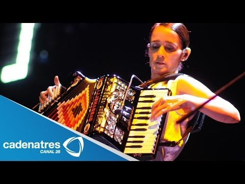 ¿Julieta Venegas es homosexual? / Julieta Venegas is gay??