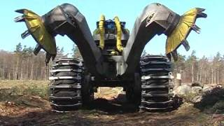 getlinkyoutube.com-Scarifier Bracke Forest T26.a - Disc trencher