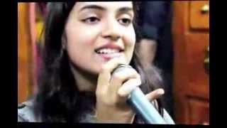 Nazriya sings Why this kolaveri & Kangal Irandal