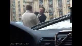 getlinkyoutube.com-Russian Mafia boss challenged in Moscow ends in a fight Guns pulled out
