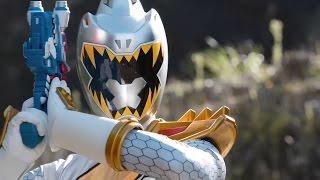 Power Ranger Dino Super Charge | El Ranger Plata aparece en la tierra y lucha contra los Rangers