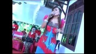 getlinkyoutube.com-Campursari Sangkuriang Pacobaning Urip - Sofira