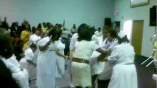 getlinkyoutube.com-Biggest Funeral Praise Break Ever!! Amber Edwards Funeral St. Louis
