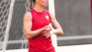 getlinkyoutube.com-Ashlyn Harris & Ali Krieger - Dear Darlin