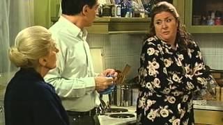 getlinkyoutube.com-Μαμά και γιος (2002) 16ο Επεισόδιο [Η Θεία Αλίκη]