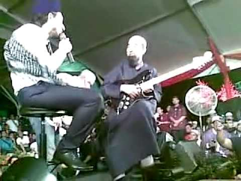 Ustaz Azhar Idrus feat Zizan Raja Lawak - Malam Tahun Baru 2012 (1/1/2012) - part2