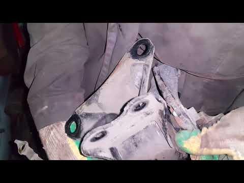 Где в Мазда MX-5 подушки двигателя
