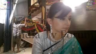 getlinkyoutube.com-Gauri's Comeback Interview from Meri Aashiqui Tumse hi sets
