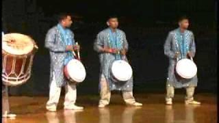 getlinkyoutube.com-Boodoosingh Tassa Drummers