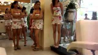 getlinkyoutube.com-Hot Vietnamese Girls work at Le Duyen Beauty Salon in Saigon   Vietnam   YouTube