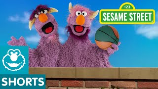 getlinkyoutube.com-Sesame Street: Two-Headed Monster Can't Catch