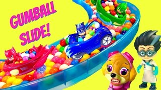getlinkyoutube.com-PJ Masks and Paw Patrol Giant Gumball Slide & Pool with Toy Surprises | Fizzy Toy Show