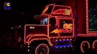 getlinkyoutube.com-Disney Pixar Cars Lightning McQueen - Paint the Night Parade