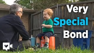 getlinkyoutube.com-2-year-old and garbage man's special bond is priceless