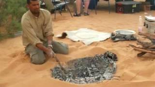 getlinkyoutube.com-Baking bread in Sahara