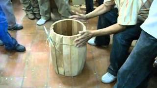 getlinkyoutube.com-FABRICACION DE BARRIL PARA TAMBOR CORIANO, VELEÑO Y CUMAREBERO 2