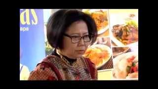 getlinkyoutube.com-Ketan Lapis Sarikaya by Sisca Soewitomo @Rahasia Ibu Masak (BUMAS) On The Street Eps 16 Part3