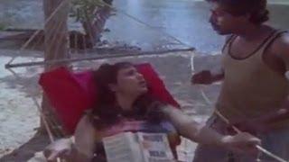 getlinkyoutube.com-Geetha romancing | Arangu | Malayalam Movie scene
