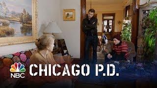 getlinkyoutube.com-Chicago PD - Cell Phone Tracker (Episode Highlight)