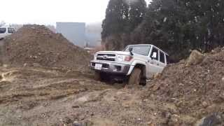 getlinkyoutube.com-Toyota Land Cruiser 70 2015/2/13