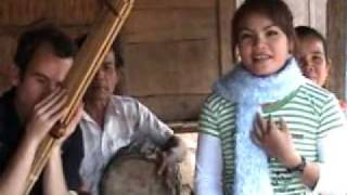 getlinkyoutube.com-Jonny Plays Khaen with Lum Tang Vai Aoy Jai in Laos