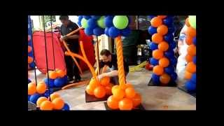 getlinkyoutube.com-How to Make a Spiral Column- Balloon Artist San Diego Series