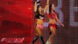 getlinkyoutube.com-Nikki Bella vs. Naomi: Raw, May 4, 2015