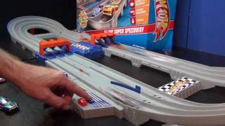 getlinkyoutube.com-Hot Wheels 3-Lane Super Speedway Product Review