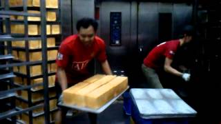 getlinkyoutube.com-kerja kuli taiwan pabrik roti