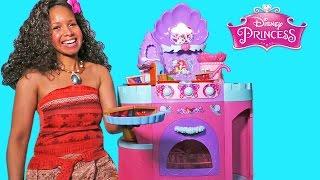 getlinkyoutube.com-Princess Moana's Pie Party ! || Disney Toy Review || Konas2002