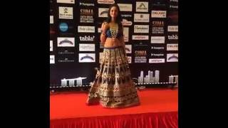 getlinkyoutube.com-SIIMA awards nayanthara and nithya menon entry(Singapore)