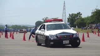 getlinkyoutube.com-パトカーの本気! 警視庁白バイ大会 交通パトカー走行競技 三交機(2014-06-01) Police Car Driving Competition - Toyota Crown S18