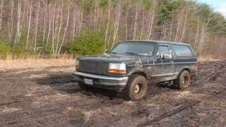 getlinkyoutube.com-Part 1 4x4 Mudding with Ford Bronco Jeep Rubicon & Toyota Tacoma in New England MUD