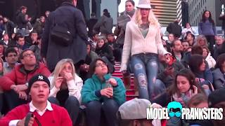 Girl Walks Around NYC With No Pants!