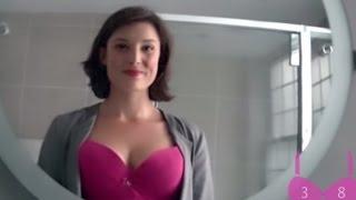 getlinkyoutube.com-امرأة تضع كاميرا على صدرها لتكشف نظرات الرجال له - فكانت النتيحة مذهله