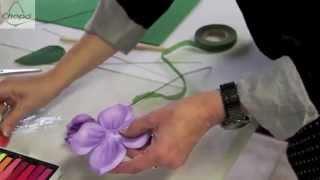 getlinkyoutube.com-Cómo hacer flores termo modeladas de Goma Eva