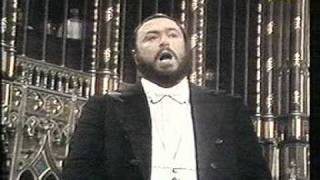 getlinkyoutube.com-Luciano Pavarotti - Montreal - 1978 - Adeste Fideles