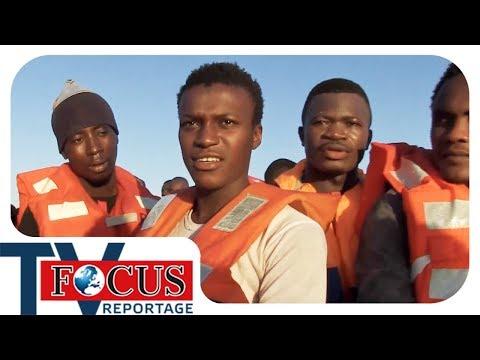 S.O.S. im Mittelmeer! | Flüchtlingsretter auf der Todesroute - Focus TV Reportage
