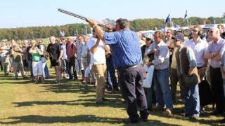 getlinkyoutube.com-World record longest shot at a clay pigeon