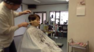 getlinkyoutube.com-私の仕事 50代の大変身 ボブからバッサリ ベリーショート!!