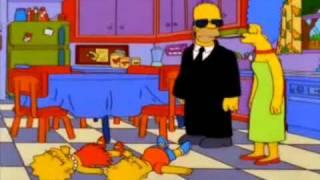 getlinkyoutube.com-Homero aplica la llave del sueño