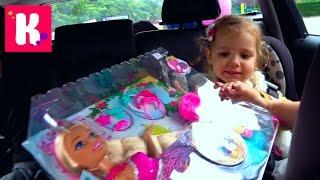 ВЛОГ Возвращаемся в Лондон Катя и большая кукла Барби Киндер Холодное сердце и Рум тур в квартире