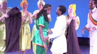 getlinkyoutube.com-Mocha Ethiopia Dance group (Gurage)