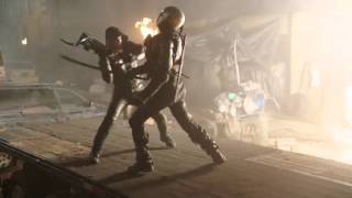 getlinkyoutube.com-2046 Old Oliver Queen Green Arrow Fight Scene in DC's Legends of Tomorrow