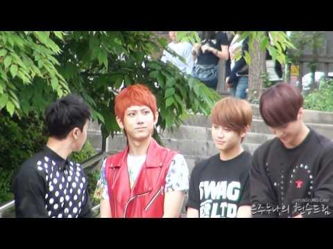 [Fancam] 110522 mini fanmeet - Hyunseung hates pigeons