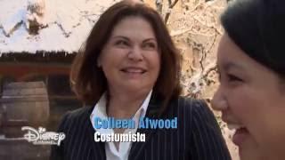 getlinkyoutube.com-Alice Attraverso Lo Specchio - Conosciamo Colleen Atwood, la costumista del film
