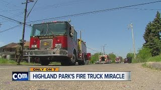 getlinkyoutube.com-Highland Park's fire truck miracle