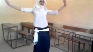 getlinkyoutube.com-احلى رقص فى مدرسه ثانويه   بنت خبره و عسوله