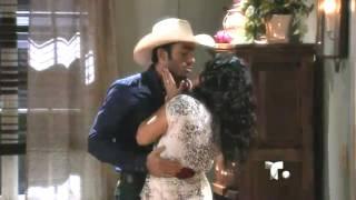 Arturo y Sofía - Hacen el amor - Tierra de Reyes